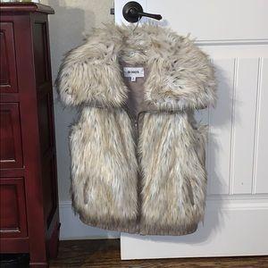 BB Dakota faux fur zipper vest!